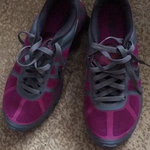 Woman's Nike Shox Size 7.5. NO BOX